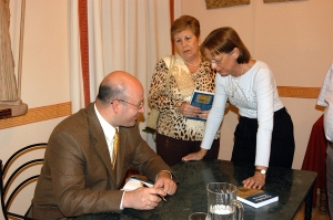 """José Carlos Fernández firma ejemplares del libro """"Córdoba Eterna"""""""